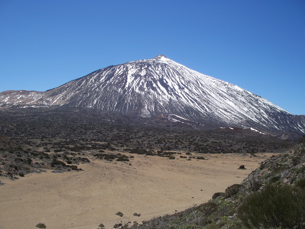 If you are an active person, hiking up Mount Teide will certainly be one of the fun things to do in Tenerife!
