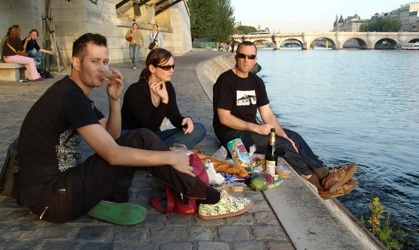 Nibbling on fresh baguette and drinking fine wine is one of the best ways on how to see Paris as a local!