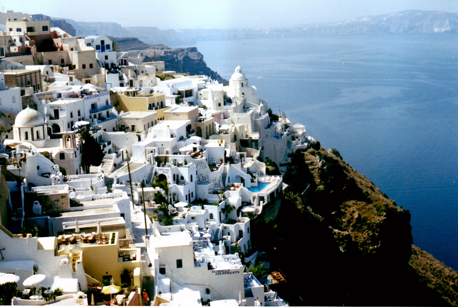 One of the more tantalizing places to plan Greek Family Escapes is in Santorini ... photo by CC user antoniocastagna on Flickr