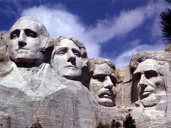 President's Day is a meaningful time to visit Mount Rushmore ... photo by CC user Sfmontyo on wikimedia