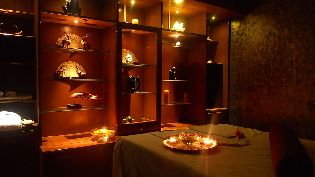 The best spas in Europe have decor that relax the client upon entry ... photo by CC user Avilash behera on wikimedia
