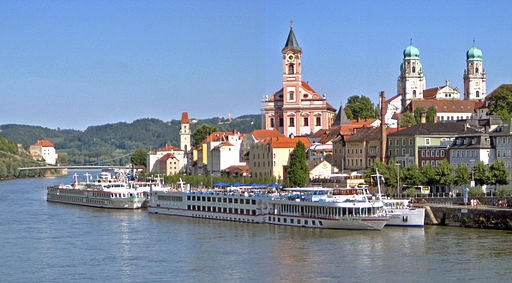 A European River Cruise is a relaxing and romantic way to see the Old World ... photo by CC user  Rolf H and Aconcagua on wikimedia commons